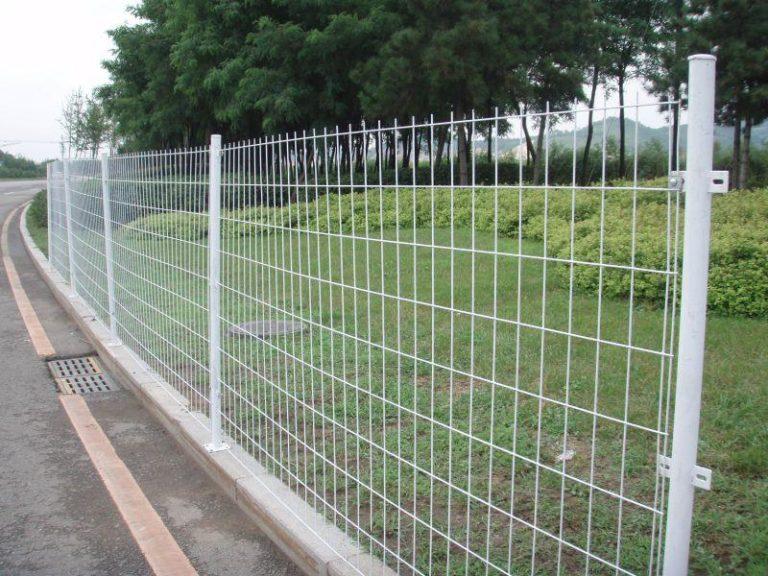 забор из строительной сетки